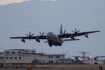 おふろうどさんが、岩国空港で撮影したアメリカ海兵隊 KC-130J Herculesの航空フォト(写真)