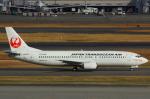ハンバーグ師匠さんが、羽田空港で撮影した日本トランスオーシャン航空 737-446の航空フォト(写真)