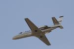 とらとらさんが、厚木飛行場で撮影したアメリカ陸軍 UC-35A Citation Ultra (560)の航空フォト(写真)