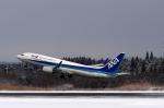 Polarisさんが、秋田空港で撮影した全日空 737-881の航空フォト(写真)