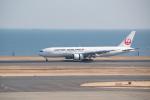 J-birdさんが、羽田空港で撮影した日本航空 777-246の航空フォト(写真)