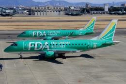ウッディーさんが、名古屋飛行場で撮影したフジドリームエアラインズ ERJ-170-100 SU (ERJ-170SU)の航空フォト(写真)