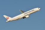 gucciyさんが、羽田空港で撮影した日本航空 777-246の航空フォト(写真)