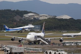 Semirapidさんが、福岡空港で撮影したアトラス航空 747-446の航空フォト(写真)