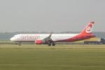 panchiさんが、アムステルダム・スキポール国際空港で撮影したニキ航空 A321-211の航空フォト(写真)