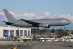 Jason Pengさんが、ペインフィールド空港で撮影したアメリカ空軍 KC-46A (767-2LK/ER)の航空フォト(写真)