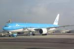 panchiさんが、アムステルダム・スキポール国際空港で撮影したKLMオランダ航空 777-306/ERの航空フォト(写真)