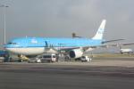 panchiさんが、アムステルダム・スキポール国際空港で撮影したKLMオランダ航空 A330-303の航空フォト(写真)