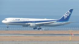 誘喜さんが、関西国際空港で撮影した全日空 767-381/ERの航空フォト(写真)