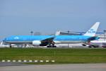 トロピカルさんが、成田国際空港で撮影したKLMオランダ航空 777-306/ERの航空フォト(写真)