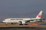 khideさんが、伊丹空港で撮影した日本航空 777-246/ERの航空フォト(写真)