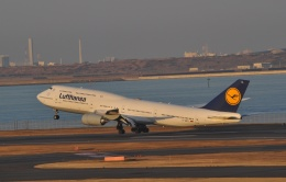 fortnumさんが、羽田空港で撮影したルフトハンザドイツ航空 747-830の航空フォト(写真)