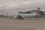 krozさんが、トロント・ピアソン国際空港で撮影したエア・カナダ A320-214の航空フォト(写真)