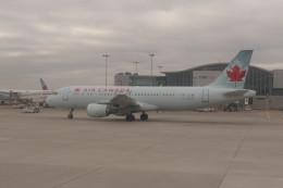 トロント・ピアソン国際空港 - Toronto Pearson International Airport [YYZ/CYYZ]で撮影されたトロント・ピアソン国際空港 - Toronto Pearson International Airport [YYZ/CYYZ]の航空機写真