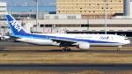 誘喜さんが、羽田空港で撮影した全日空 777-281の航空フォト(写真)