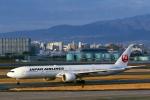 菊池 正人さんが、伊丹空港で撮影した日本航空 777-346/ERの航空フォト(写真)