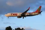 オポッサムさんが、福岡空港で撮影したティーウェイ航空 737-8HXの航空フォト(写真)