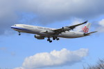 オポッサムさんが、福岡空港で撮影したチャイナエアライン A340-313Xの航空フォト(写真)