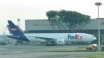誘喜さんが、シンガポール・チャンギ国際空港で撮影したフェデックス・エクスプレス 777-F28の航空フォト(写真)