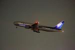 ひろえもんさんが、福岡空港で撮影した全日空 777-281の航空フォト(写真)
