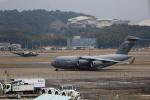 MOHICANさんが、福岡空港で撮影したアメリカ空軍 C-17A Globemaster IIIの航空フォト(写真)