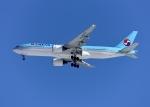 バーダーさんさんが、新千歳空港で撮影した大韓航空 777-2B5/ERの航空フォト(写真)