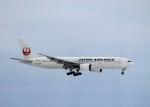 naotonopapaさんが、新千歳空港で撮影した日本航空 777-289の航空フォト(写真)