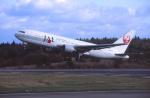 プルシアンブルーさんが、秋田空港で撮影した日本航空 767-246の航空フォト(写真)