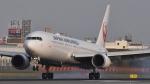 Take51さんが、伊丹空港で撮影した日本航空 767-346の航空フォト(写真)
