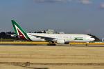 ポン太さんが、成田国際空港で撮影したアリタリア航空 777-243/ERの航空フォト(写真)
