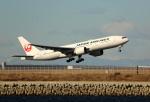 ケロさんが、羽田空港で撮影した日本航空 777-246/ERの航空フォト(写真)