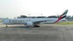 誘喜さんが、シンガポール・チャンギ国際空港で撮影したエミレーツ航空 777-31H/ERの航空フォト(写真)