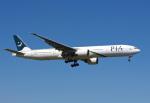 Willieさんが、ロンドン・ヒースロー空港で撮影したパキスタン国際航空 777-340/ERの航空フォト(写真)