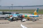 北陸の人。さんが、羽田空港で撮影した全日空 777-381の航空フォト(写真)