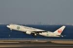 妄想竹さんが、羽田空港で撮影した日本航空 777-246の航空フォト(写真)