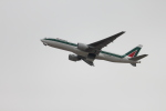 職業旅人さんが、関西国際空港で撮影したアリタリア航空 777-243/ERの航空フォト(写真)