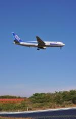slc622さんが、成田国際空港で撮影した全日空 767-381/ERの航空フォト(写真)