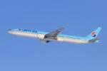 べガスさんが、新千歳空港で撮影した大韓航空 777-3B5の航空フォト(写真)