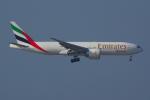 PASSENGERさんが、香港国際空港で撮影したエミレーツ航空 777-F1Hの航空フォト(写真)