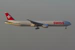 PASSENGERさんが、香港国際空港で撮影したスイスインターナショナルエアラインズ 777-3DE/ERの航空フォト(写真)