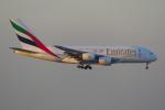 PASSENGERさんが、香港国際空港で撮影したエミレーツ航空 A380-861の航空フォト(写真)