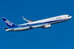 Tomo-Papaさんが、羽田空港で撮影した全日空 767-381/ERの航空フォト(写真)