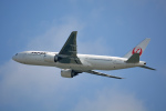 ktaroさんが、香港国際空港で撮影した日本航空 777-246/ERの航空フォト(写真)