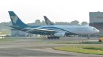 誘喜さんが、シンガポール・チャンギ国際空港で撮影したオマーン航空 A330-243の航空フォト(写真)