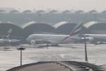 職業旅人さんが、香港国際空港で撮影したエミレーツ航空 A380-861の航空フォト(写真)