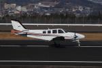 ぽんさんが、高松空港で撮影した朝日航空 Baron G58の航空フォト(写真)