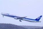 kitayocchiさんが、新千歳空港で撮影した全日空 777-381の航空フォト(写真)