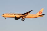 Echo-Kiloさんが、羽田空港で撮影した日本航空 777-246/ERの航空フォト(写真)
