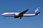 Timothyさんが、成田国際空港で撮影した全日空 767-381/ERの航空フォト(写真)