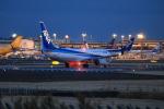 msrwさんが、成田国際空港で撮影した全日空 737-881の航空フォト(写真)